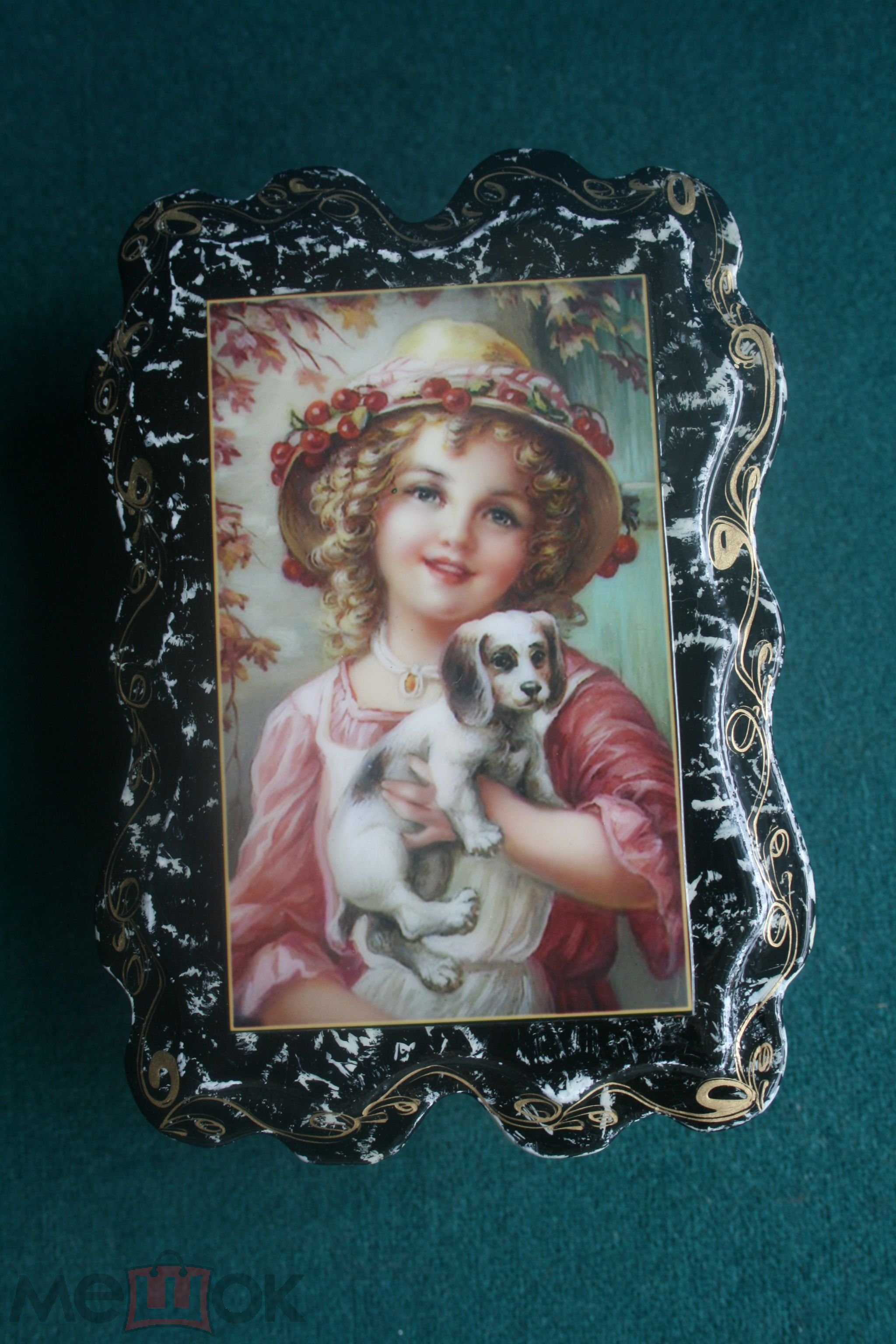 Шкатулка деревянная лаковая миниатюра девочка с собачкой дети лаковая миниатюра