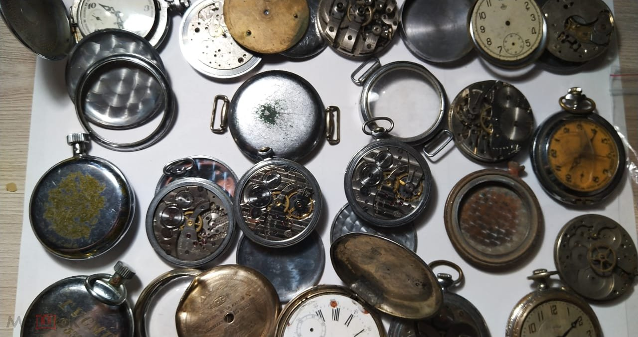 Карманные часы. механизмы.гчз молния .ключники серебро 84 пр.запчасти