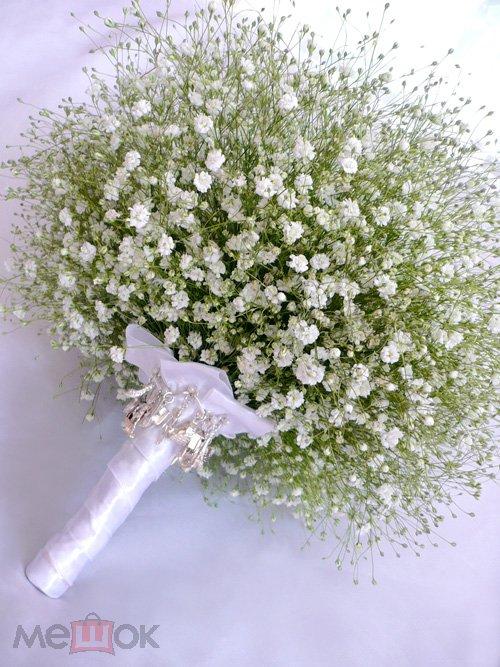 Доставка, маленькие беленькие цветочки в букетах