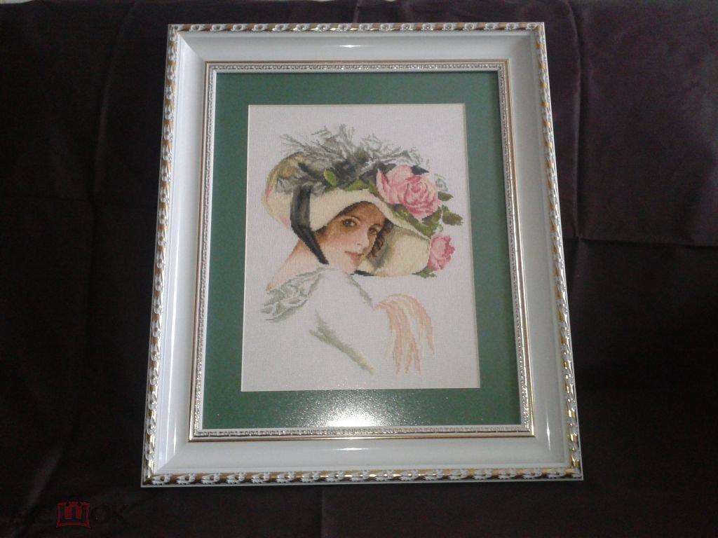 Картина в раме вышитая Портрет женщины  (45х35)