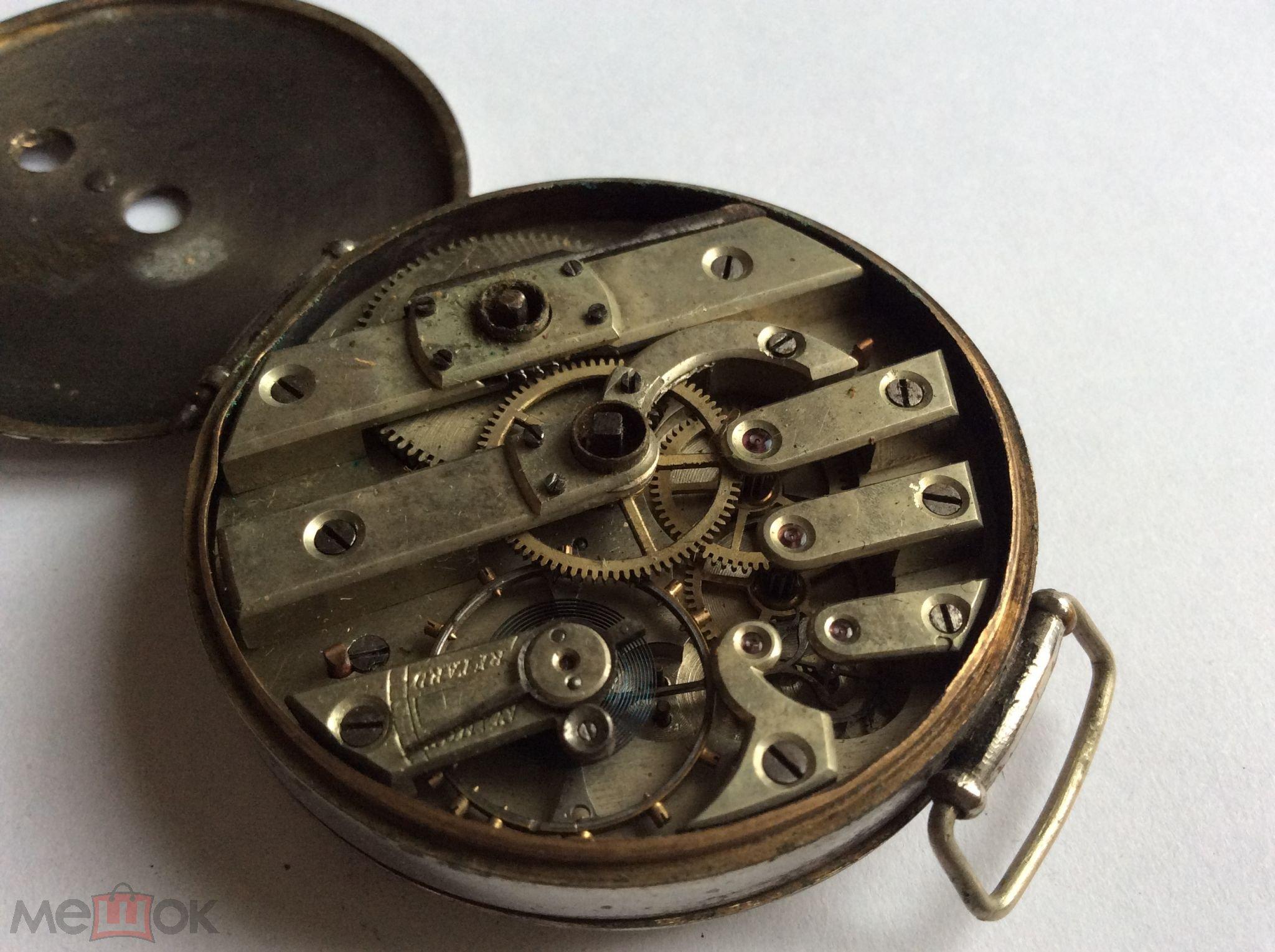 Все три крышки часов выполнены из золота.часы, скорее всего, были произведены в европе для продажи в россии.