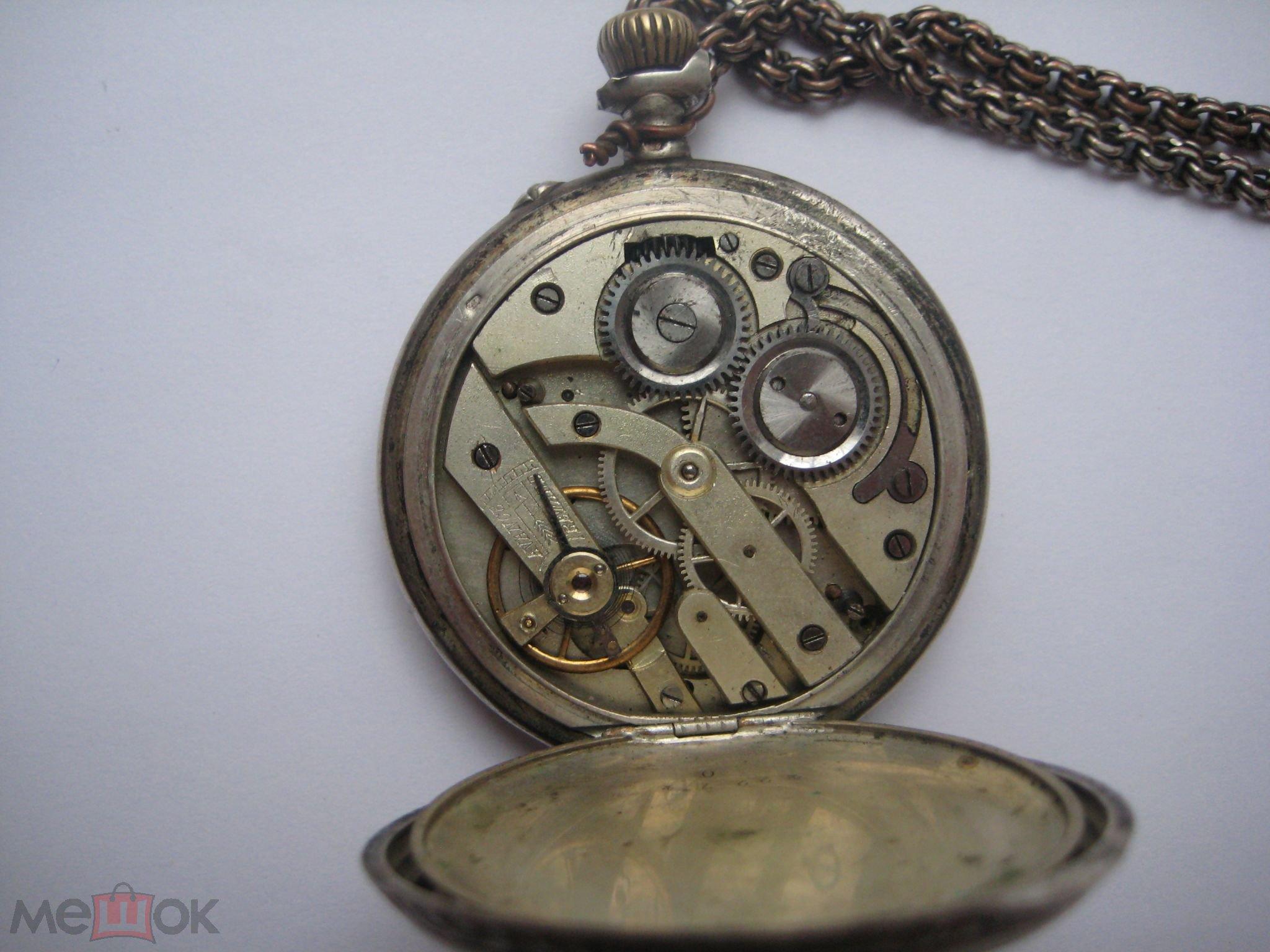 В италии появляется хронограф с двойным часовым поясом vespucci, хронограф с двумя счетчиками mirus с использованием калибра venus старого образца и сложный автоматический сплит — хронограф kepler.