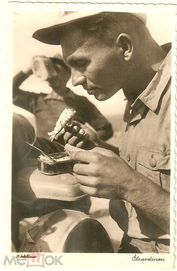 Днем, немецкий солдат на открытке
