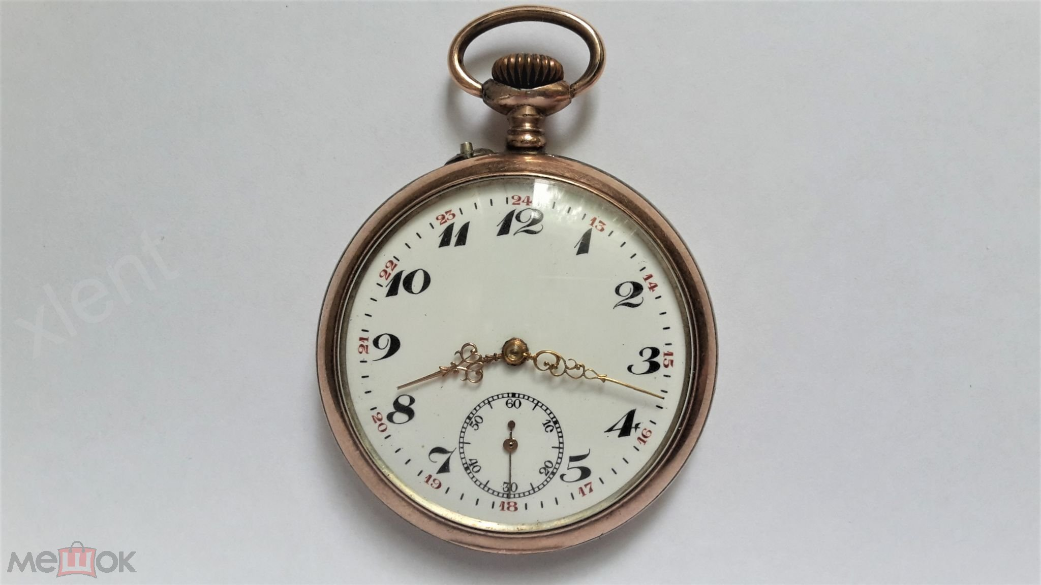 Коллекционные часы в корпусе из золота и серебра.